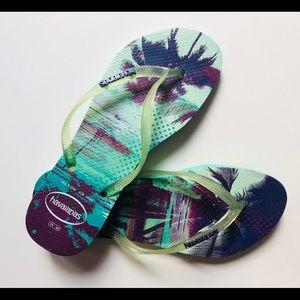 havaianas flip flops• size 9
